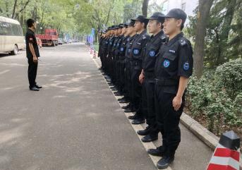 东营保安公司订制保安服的时候应注意什么?